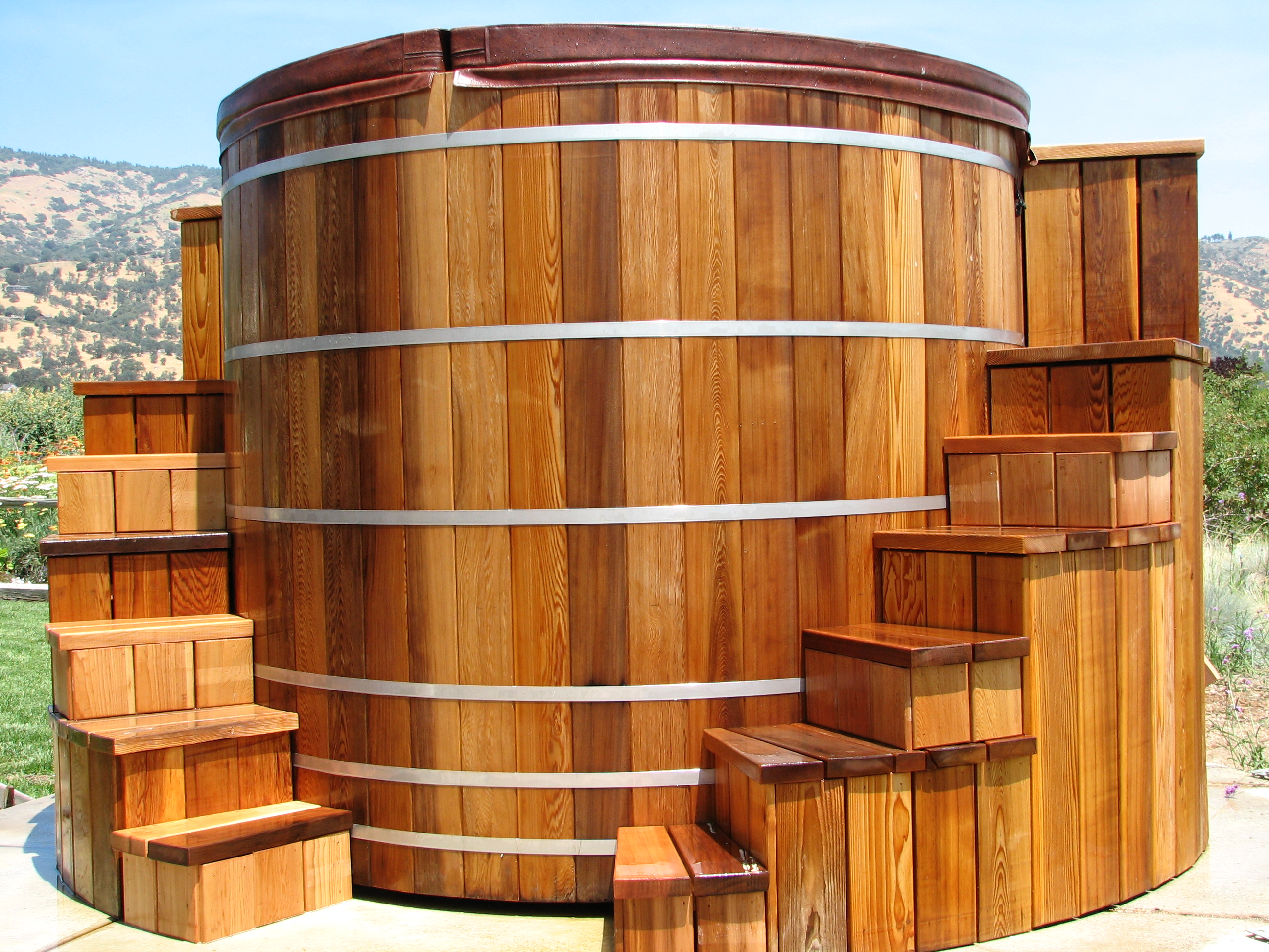 Hydrotherapy Whirlpool Tanks - Custom Leisure Products
